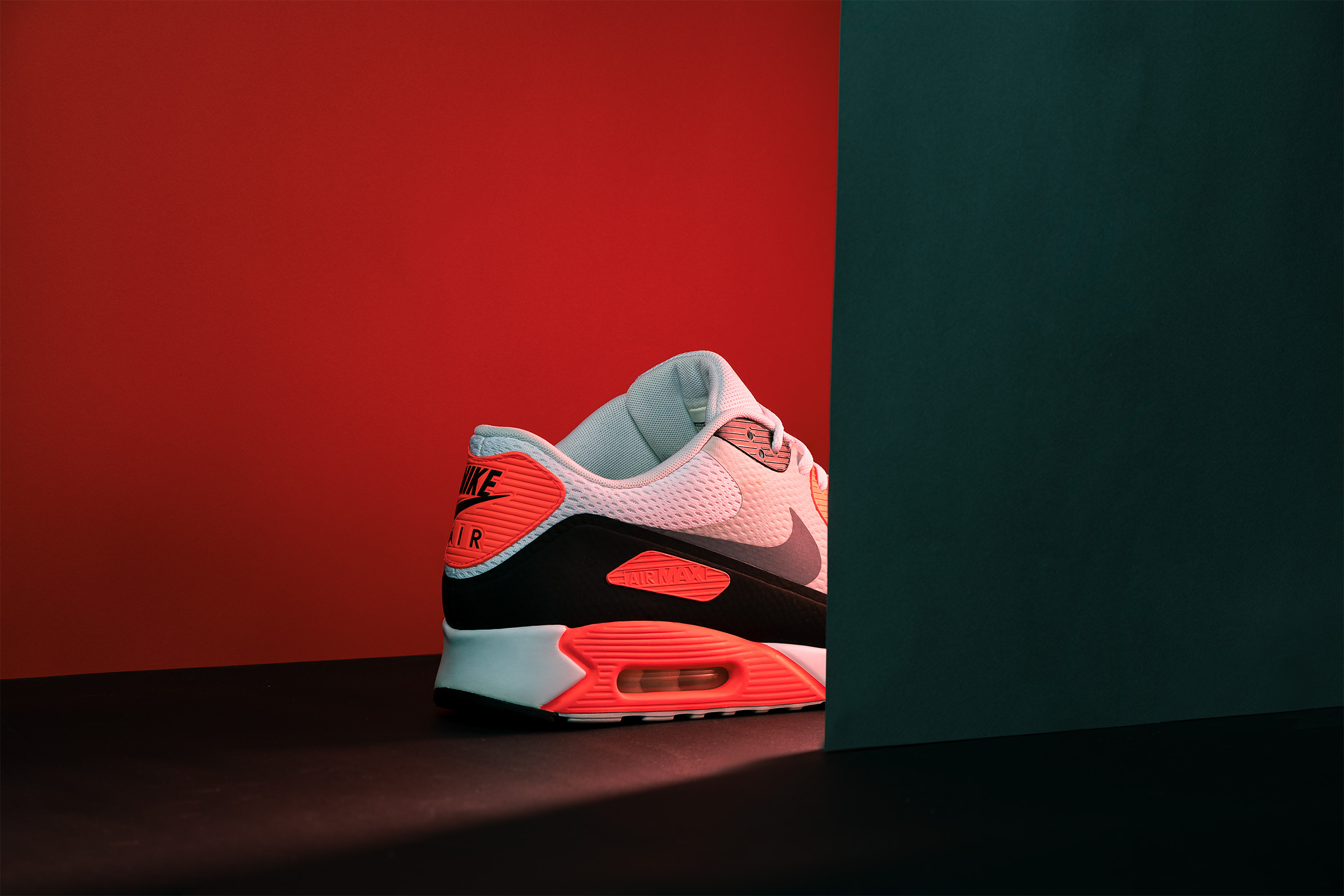Nike_Air_Max_90_Infrared_Website